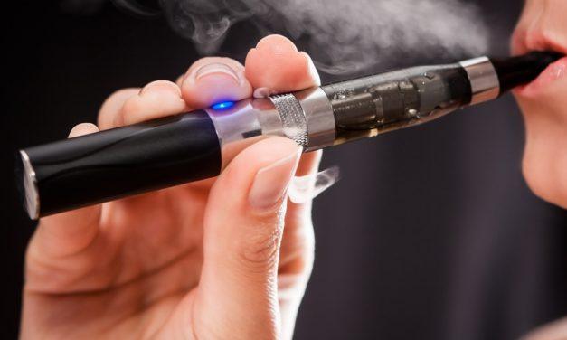 Idées-cadeaux : que faut-il offrir à un fumeur de cigarette électronique ?