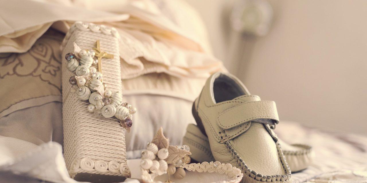 Quelques articles de cadeaux à offrir à un enfant baptisé
